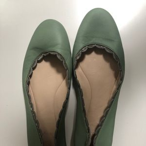 CHLOE Scalloped Green/gold edged ballerina flats